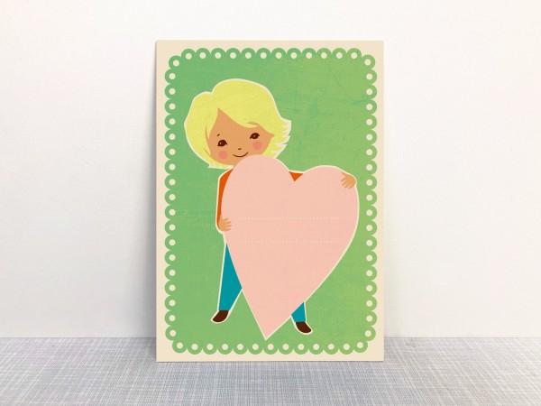 Postkarte - Kind mit Herz